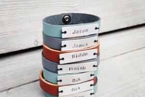 Stoere leren armbandjes met naam