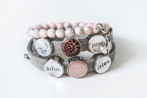 Leren mama armband met steentjes en naambedels