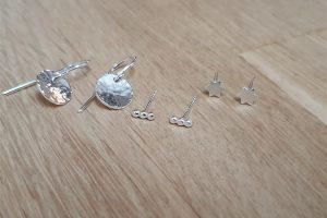 oorbellen gehamerd ster staafje